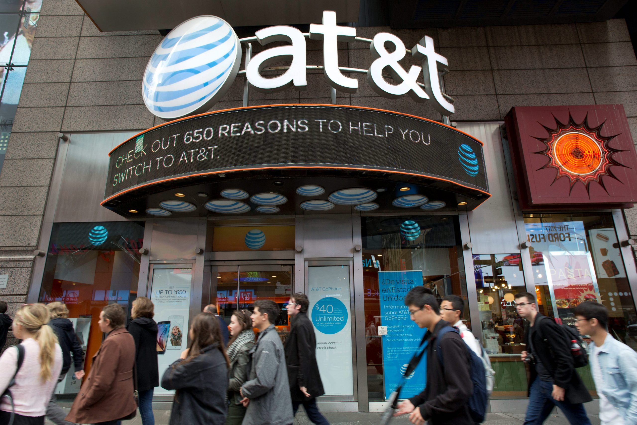 At&t, Time-Warner Merger Leaves Conservatives Fearing Impact